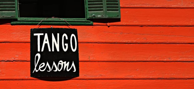 26096101-Tango-Sign-on-Color-House-SS